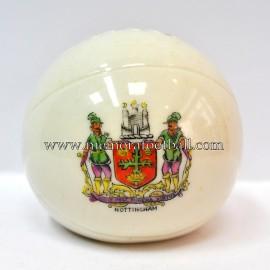 Balón de porcelana con escudo grabado de NOTTINGHAM