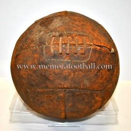 12 Panels Ball 1930-40