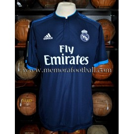 """BENZEMA"" Real Madrid CF LFP 2015-16 match un worn shirt"