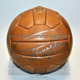 """""""FERENC PUSKAS"""" replica ball signed"""