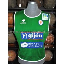 Peto de entrenamiento del Sporting de Gijón 2000s