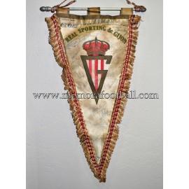 Banderín firmado del Real Sporting de Gijón 1970s