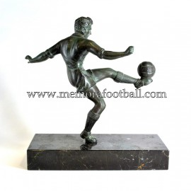 A spelter figure of a footballer c.1950 France