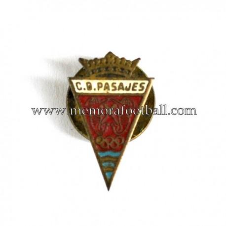 Antigua insignia esmaltada del CD Pasajes (España)