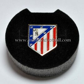 Atlético de Madrid gold and diamond badge