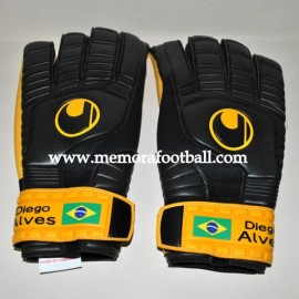 """DIEGO ALVES"" 2010-11 match gloves"