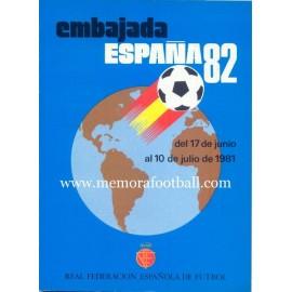 Embajada España 82