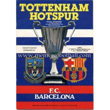 Tottenham Hotspur v FC Barcelona 07-04-1972