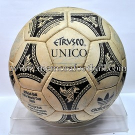 "Adidas ""ETRUSCO UNICO"" Official Match Ball FIFA World Cup 1990"