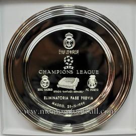 Plato conmemorativo Real Madrid v FC Porto 28-IX-1999