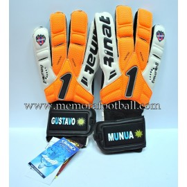 """MUNUA"" UD Levante 2011-12 match un worn gloves"