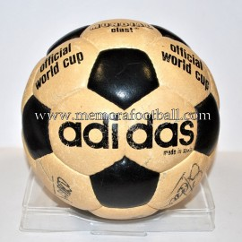 """ADIDAS MUNDIAL ELAST"" Ball. Signed FC Barcelona 1981-84"