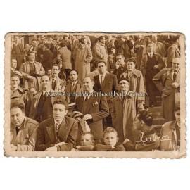 Fotografía de espectadores en El Molinón (1956)