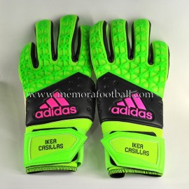 """IKER CASILLAS"" 2015-16 signed match issued gloves"