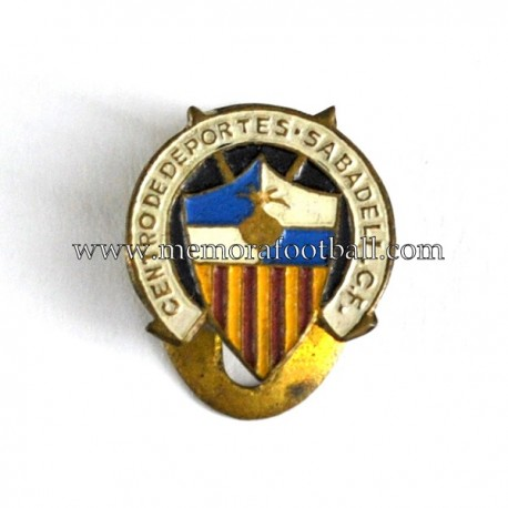 Antigua insignia esmaltada del C.D. Sabadell (España)