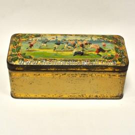 Cajita de hojalata con escenas de rugby, circa 1900