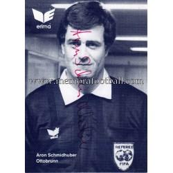 ARON SCHMIDHUBER árbitro...