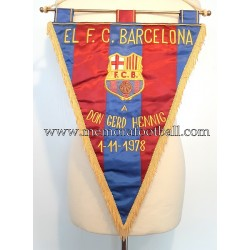 Banderín bordado del FC...