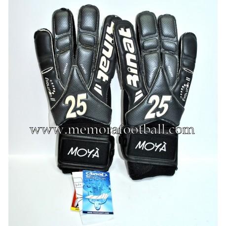 """MOYÁ"" Getafe CF 2011-12 match un worn gloves"
